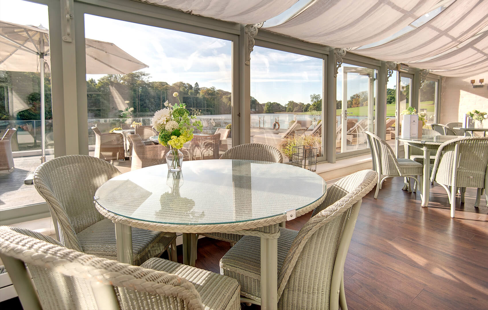<p>Refreshments are available including Afternoon Tea, healthy salads, sandwiches and soups, as well as chilled wine or fizz, refreshing juices, hot teas and freshly brewed coffees.</p>