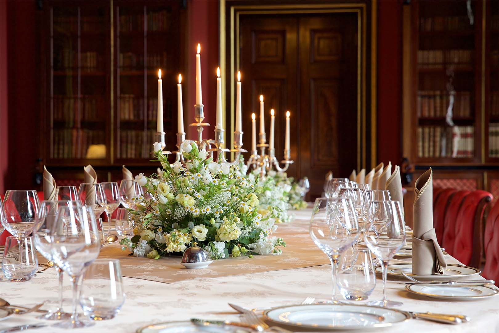<p>An intimate and cosy setting, the Londonderry room is perfect for pre-wedding dinners and celebrations.</p>