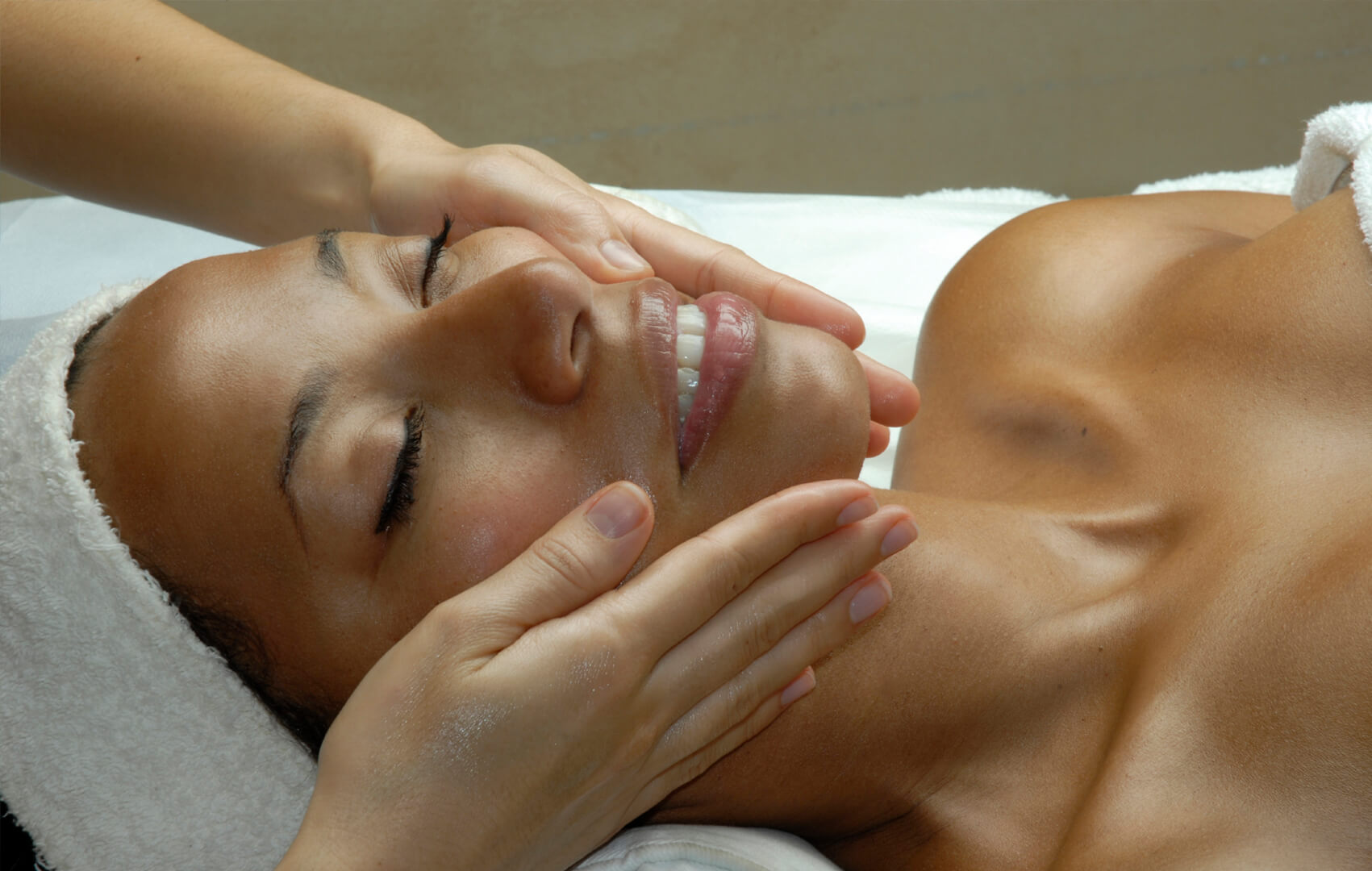 <p>Restore and nourish in a complete with an inspired collection of personalised treatments from world-renowned spa experts, ESPA.</p>