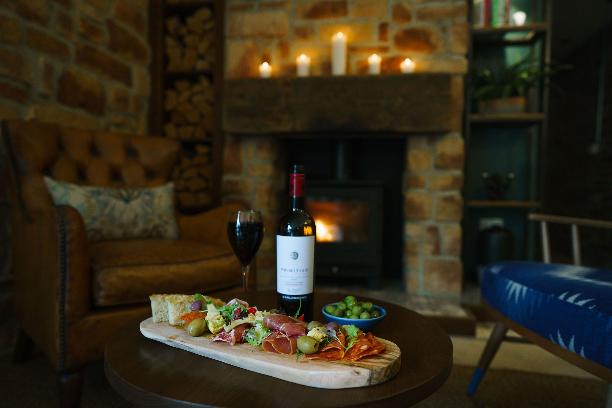 """<p>Comfy arm chairs and a wood burning stove with light bites and drinks served all day, no booking required.<br /> Served 11am until 4pm and 6:30pm until 9pm.</p> <p><a href=""""https://www.wynyardhall.co.uk/wp-content/uploads/2021/08/Bar-Menu-The-Glass-House.pdf""""><strong>Click the image to view menu</strong></a></p>"""