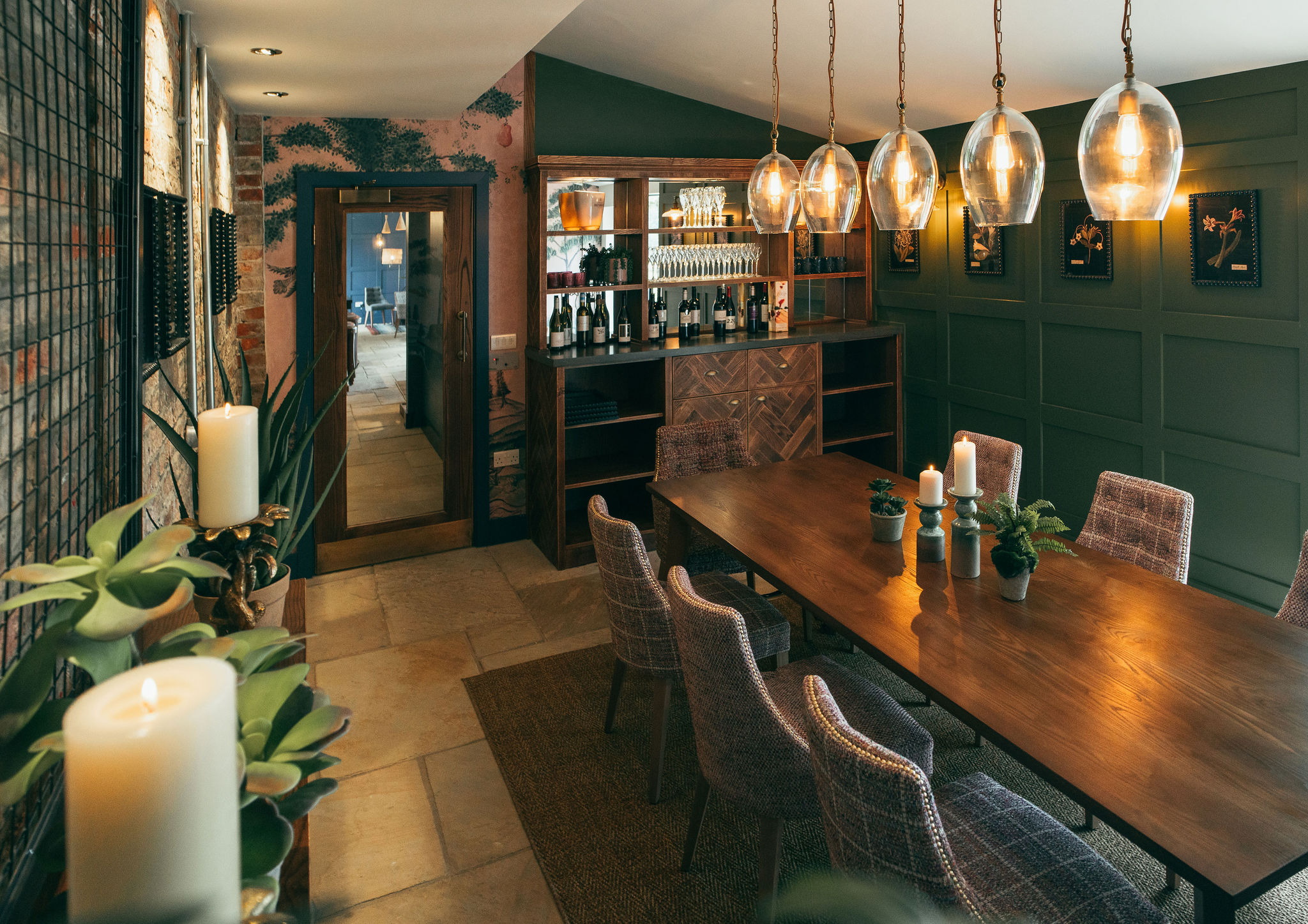<p>An extension of the restaurant, seating 8 for a more private and intimate experience.<br /> Call 01740 665419 to enquire or email glasshouse@wynyardhall.co.uk.</p>
